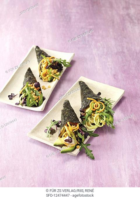 Temaki with carrots and cucumber
