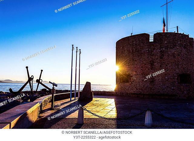 Europe, France, Var, Saint-Tropez. Tower Portalet XV century in the early morning