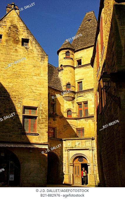 Place Lucien de Maleville, Sarlat, Dordogne, Aquitaine, France