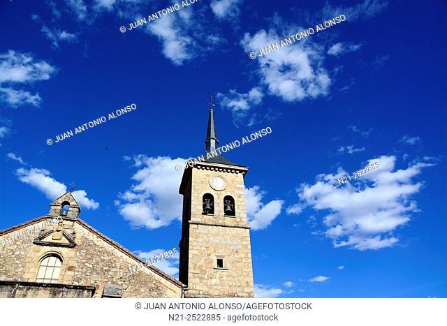 Santiago Apóstol Church in Plaza de España, the main square in the old quarter of Losar de La Vera, a village in La Vera, Caceres, Extremadura, Spain, Europe