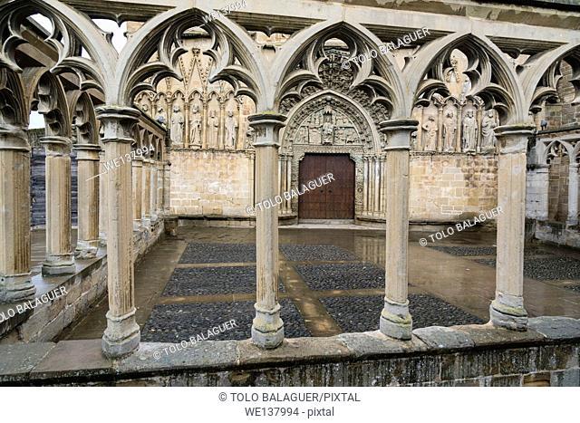 Main front, church of Santa María la Real (13th century), Olite, Navarre, Spain