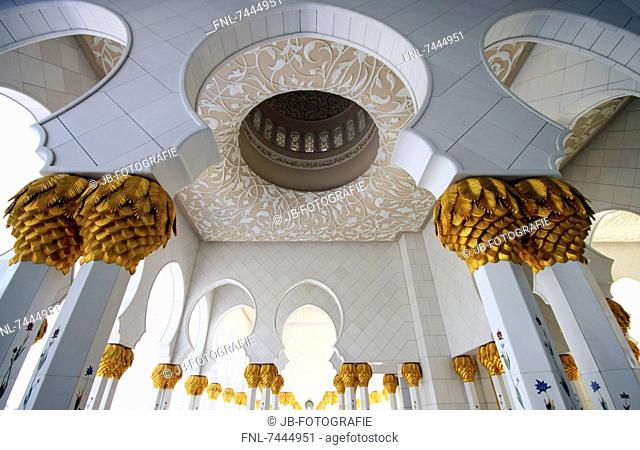 Colonnade at the atrium of the Sheikh Zayed Mosque, Abu Dhabi, United Arab Emirates