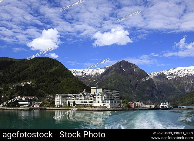 View of the town of Balestrand and the mountains surrounding Sognefjorden Fjord, Sogn Og Fjordane region of Norway, Scandinavia, Europe