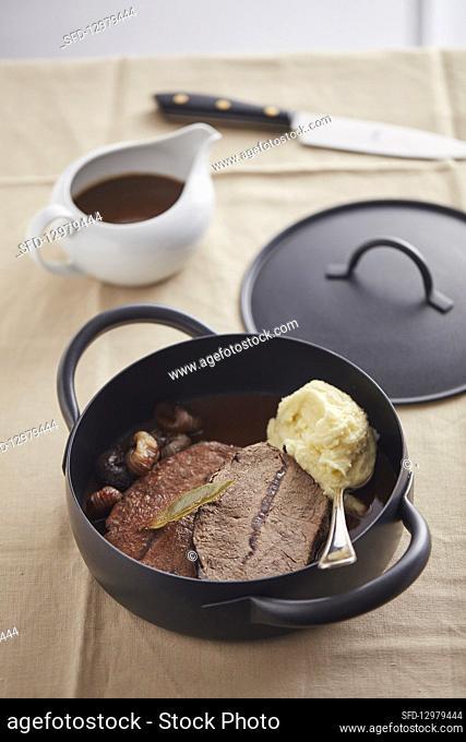 Brasato al Barbera (red wine stew, Italy)