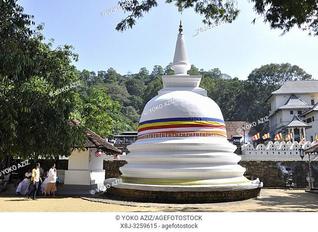 Sri Lanka, Nuwara Eliya, stupa