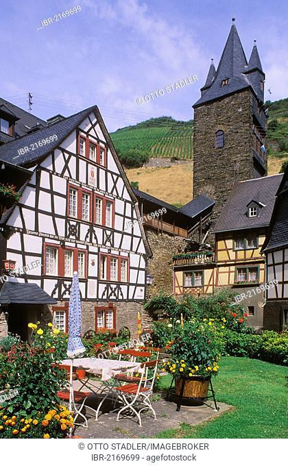 Malerwinkel quarter, Steeger gate, odl ramparts, half-timbered house, Bacharach