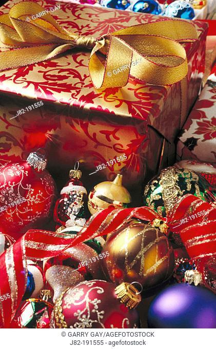 Christmas present & ornaments