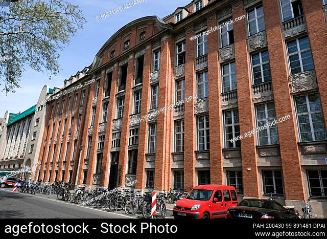 28 April 2020, Berlin: The Senate Department for Environment, Traffic and Climate Protection Am Köllnischen Park. The service building is located in the former...