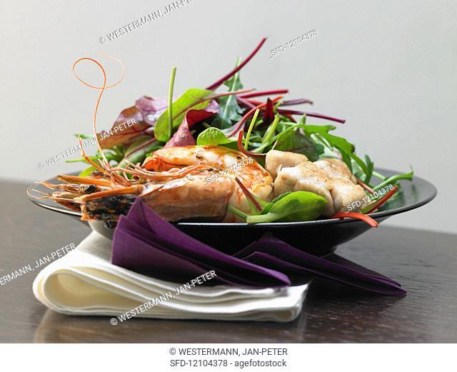 Sweetbread and prawn salad in a vanilla vinaigrette