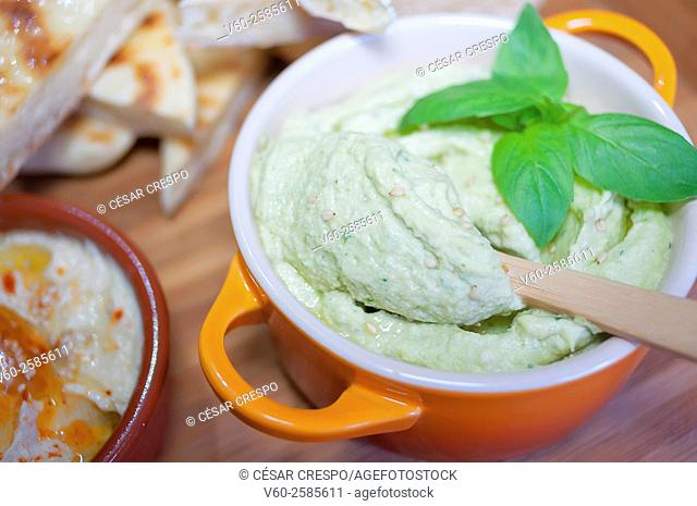 -Pita bread with Humus-basil- High Cuisine (Spain)