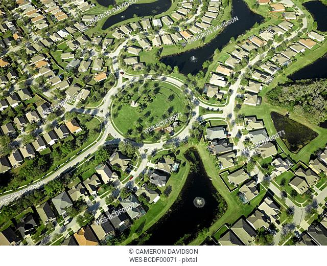 USA, Florida, Aerial of the housing suburbs along the western shore of Tampa Bay