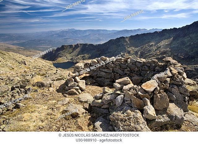 Bivouac in the boundary between the provinces of Salamanca and Avila  Garganta del Trampal  Valley and lakes belonging to Sierra de Béjar