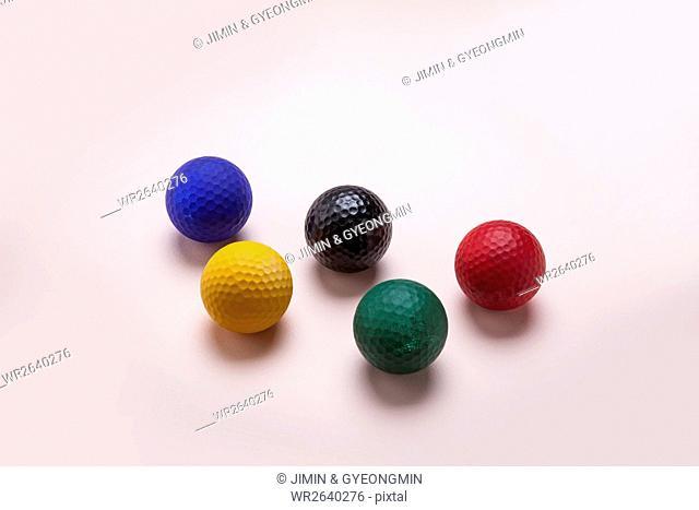 Golf balls as cheering tools