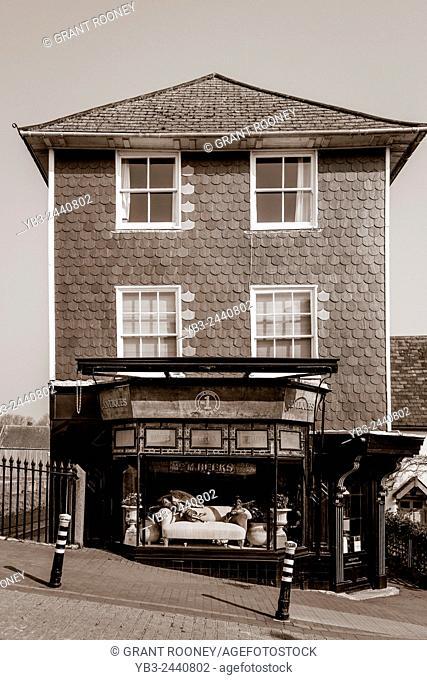A Beautiful Riverside Antiques Shop, High Street, lewes, East Sussex, UK