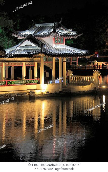 China, Guangxi, Guilin, Rong Lake, pavilion, night,