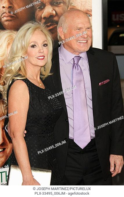 """Tammy Bradshaw, Terry Bradshaw at the Premiere of Warner Bros' """"""""Father Figures"""""""" held at the TCL Chinese Theater in Hollywood, CA, December 13, 2017"""