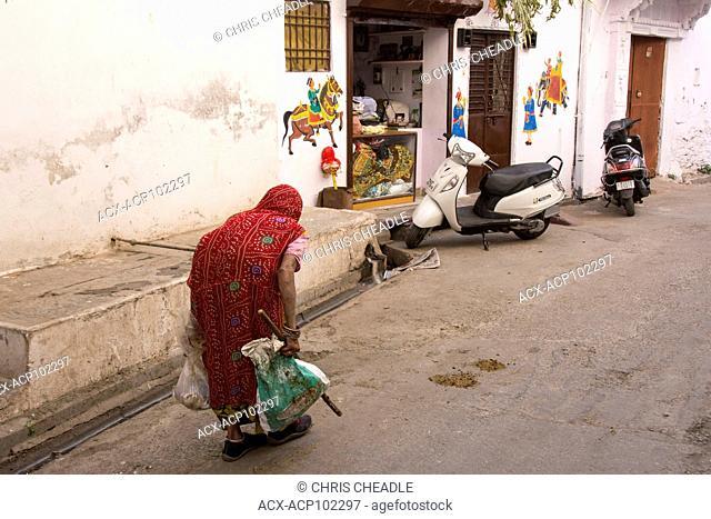 Old woman bent over, Udaipur, Rajastan, India