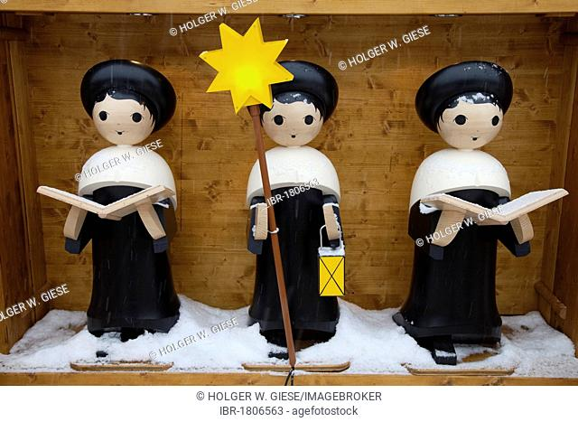 Carol singers, figures manufactured in the Ore Mountains, Striezelmarkt Christmas market, Altmarkt square, Dresden, Saxony, Germany, Europe