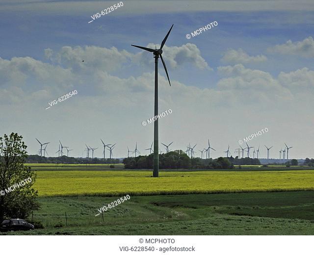 DEU, NORDDEICH, 21.05.2017, windpark in northern Germany - Norddeich, Niedersachsen, Germany, 21/05/2017