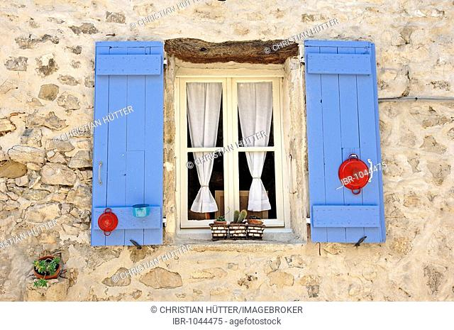 Window with blue shutters, Vaison-la-Romaine, Vaucluse, Provence-Alpes-Cote d'Azur, Southern France, Europe