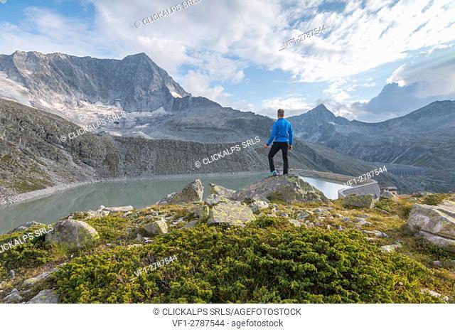Hicker admire the Adamello Mount. Temù, Val d'Avio (Adamello Park), Brescia province, Lombardy, Italy, Europe