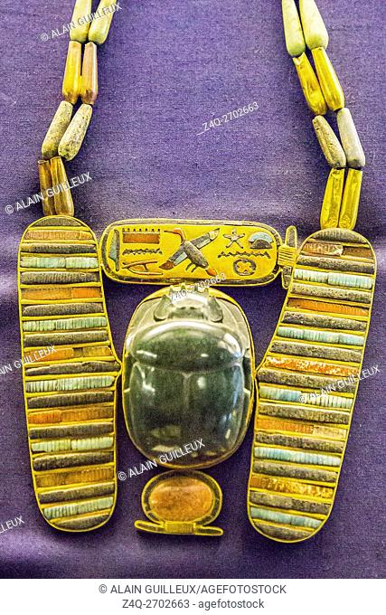 Egypt, Cairo, Egyptian Museum, jewellery found in the royal necropolis of Tanis, burial of Psusennes : Pectoral in the shape of a winged scarab