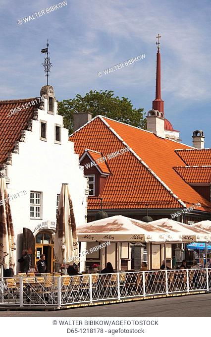 Estonia, Western Estonia Islands, Saaremaa Island, Kuressaare, cafes on Keskvaljak Square
