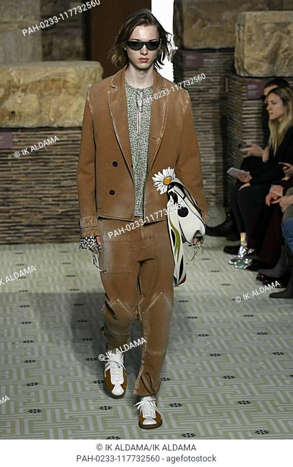 LANVIN runway show during Paris Fashion Week, AW19, Autumn Winter 2019 collection - Paris, France 27/02/2019   usage worldwide. - Paris/France