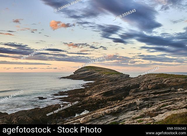 Coastline at Sonabia, Castro Urdiales, Cantabria, Spain, Europe