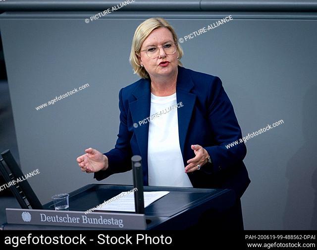19 June 2020, Berlin: Eva Högl (SPD), Bundestag Commissioner for the Armed Forces, speaks during the 167th session of the German Bundestag