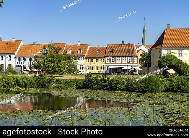 Am Burggraben von Nyborg, Dänemark, Europa | castle moat in Nyborg, Denmark, Europe