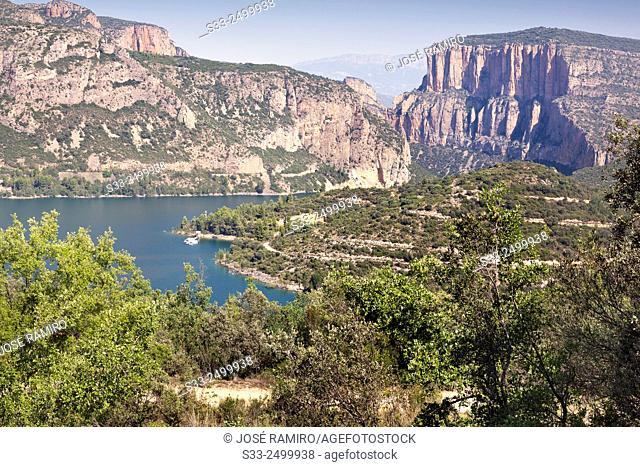 Camarasa reservoir. Lerida. Cataluña. Spain. Europe