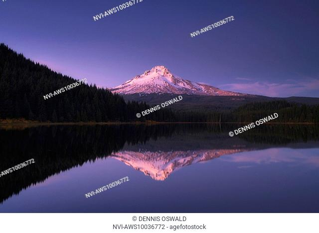 Reflections on Trillium Lake with volcano Mount Hood, Clackamas County, Oregon, USA