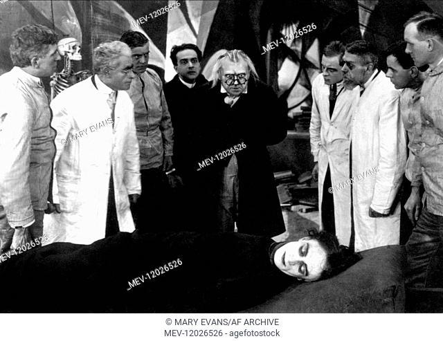 Conrad Veidt, Werner Krauss & Friedrich Feher Film: The Cabinet Of Dr. Caligari (DE 1920) / Auch: 'Das Kabinett Des Doktor Caligari' Director: Robert Wiene 26...