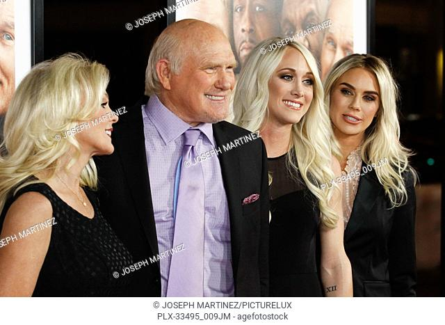"""Tammy Bradshaw, Terry Bradshaw, Rachel Bradshaw, Erin Bradshaw at the Premiere of Warner Bros' """"""""Father Figures"""""""" held at the TCL Chinese Theater in Hollywood"""