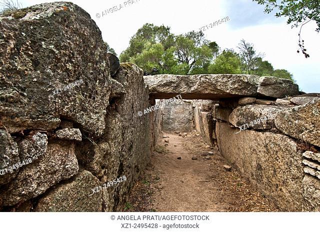 Italy, Sardegna, Arzachena, prehistoric site, Tomba di giganti Moru, Moru Giants'Tomb, around the 13th centuryBC