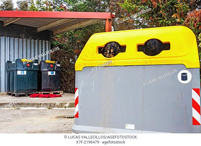Containers of oil and plastic for waste separation, recycling center
