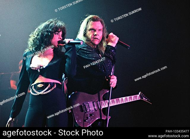 "06.05.1996, Kiel, Meat Loaf, born Marvin Lee Aday, since 1984 Michael Lee Aday on his """"Born to Rock Tour"""" live on stage with the singer Patricia """"Patti""""..."