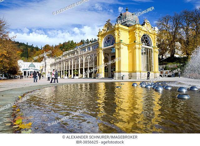 Cast-iron colonnade, with the Singing Fountain at the front, Mariánské Lázne or Marienbad, Karlovy Vary region, Bohemia, Czech Republic