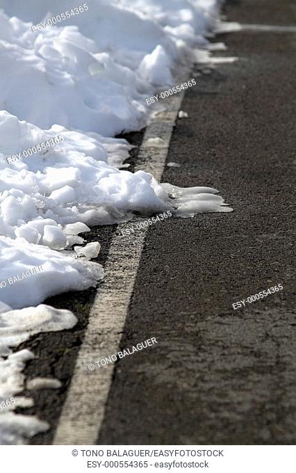 road white lines winter snow danger traffic