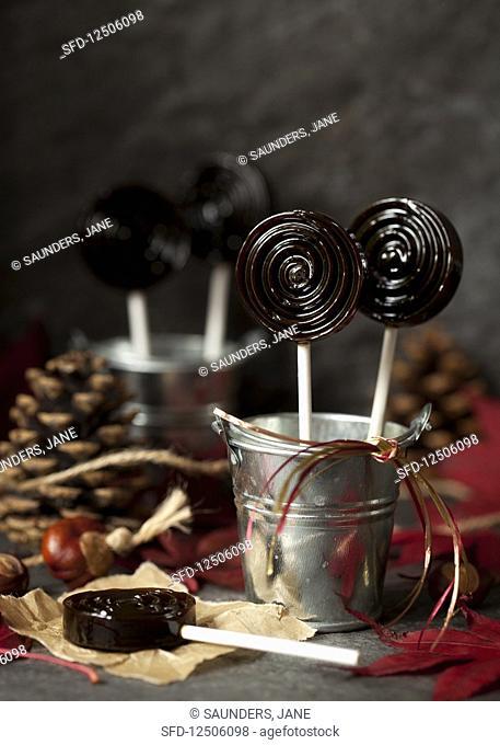 Bonfire toffee lollipops