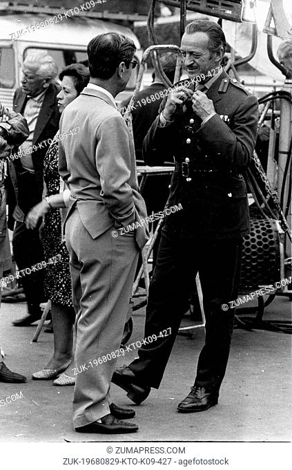 Aug. 29, 1968 - Paris, France - Actor DAVID NIVEN in character of Col. Carol Matthews on the set of the film, 'Le Cerveau'