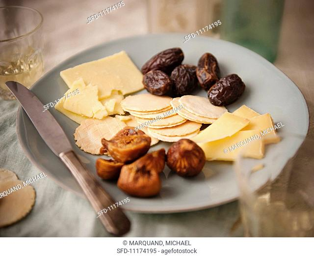 White Cheddar Cheese with Crackers and Dried Fruit