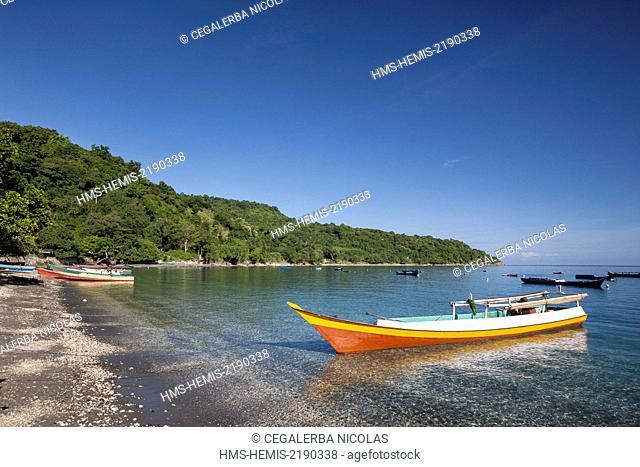 Indonesia, Lesser Sunda Islands, Alor Island, Maibang, fishing boat front of the beach