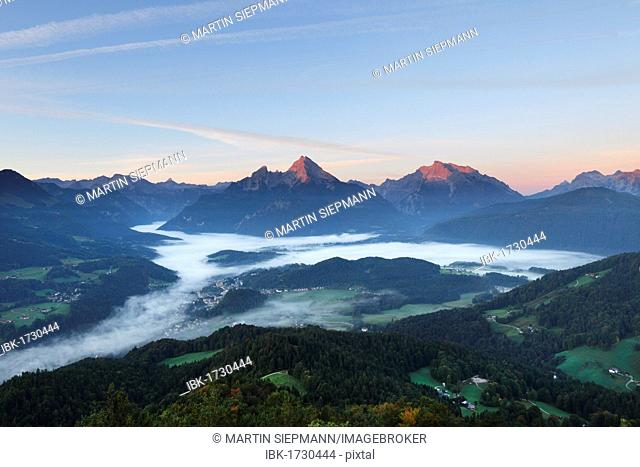 View from Kneifelspitze mountain across Berchtesgaden towards Watzmann and Hochkalter mountains, in the morning, Berchtesgaden Alps