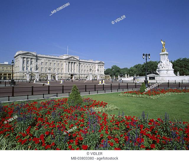 Great Britain, England, London,  Buckingham Palace, park,  Flower beds, Queen Victoria monument,  Europe, island, city, capital, construction, historically