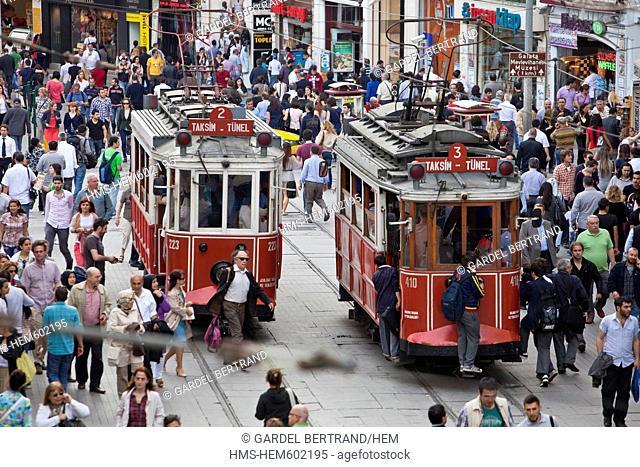 Turkey, Istanbul, Beyoglu, Taksim district, shopping street Istiklal Caddesi, the passage of Pera or Cicek Pasaji Flower Passage