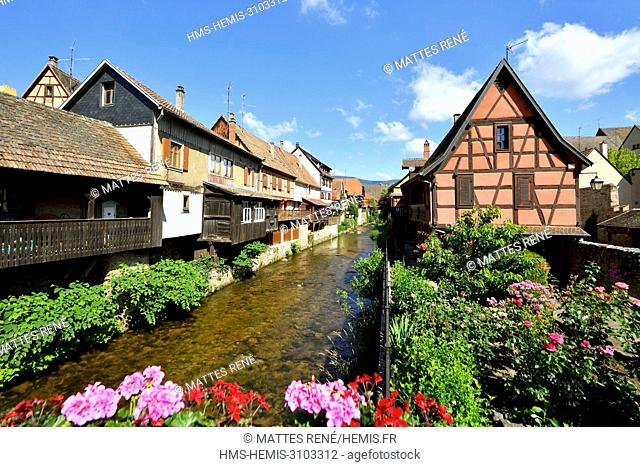 France, Haut Rhin, Alsace Wine Road, Kaysersberg, houses bordering the Weiss river