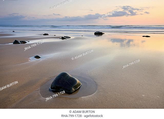 Sandy shores of Sandymouth beach at low tide, Cornwall, England, United Kingdom, Europe