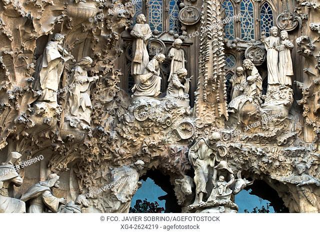 Fachada de la Natividad - Portal de la Caridad - Sagrada Familia, Barcelona, Catalonia, Spain
